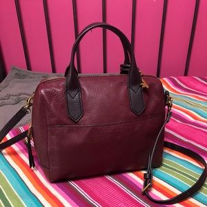 Fossil satchel bag in maroon/wine color